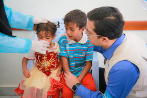 Administering oral rehydration solution in Sana'a - Yemen - 2017