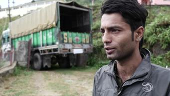 Nepal - Driver goes extra mile delivering earthquake relief